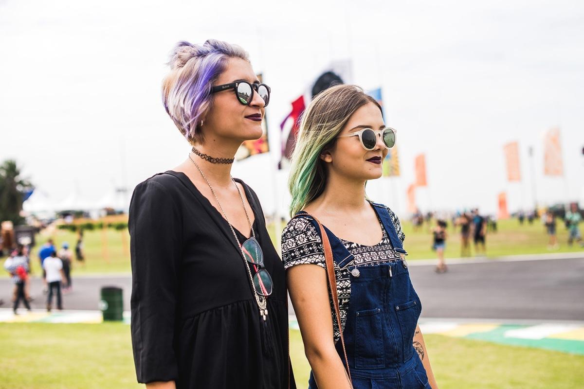 Vem dar um confere nos looks mais estilosos do #lollapalooza2017